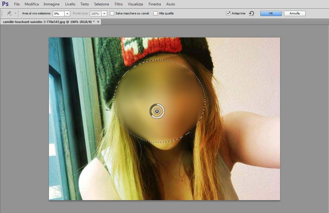 oscurare il viso in una foto