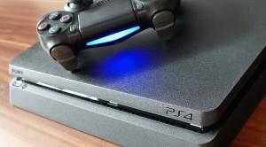 Differenza tra PS4 Slim e Pro: quale console comprare?