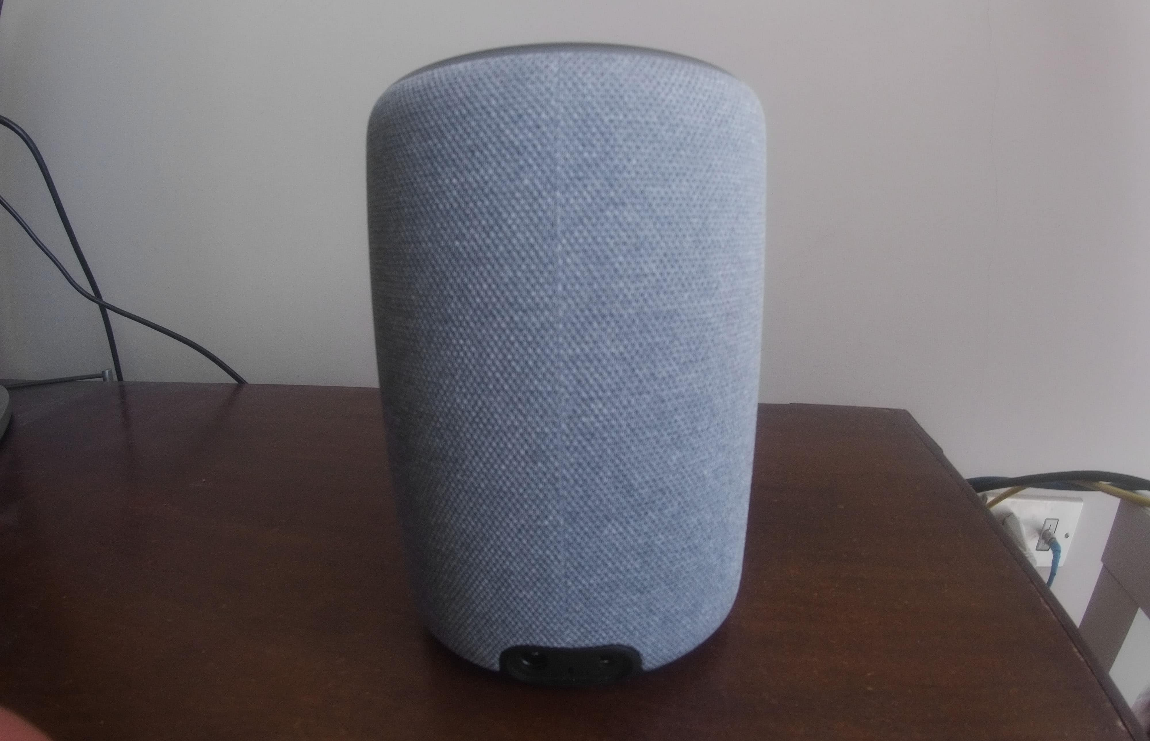 parte posteriore Amazon Echo Plus