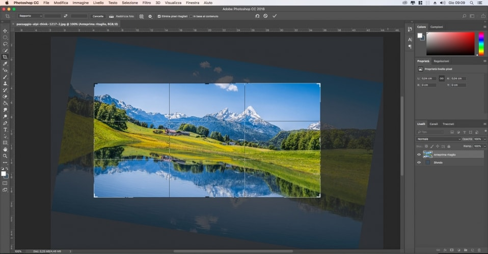 Raddrizzare una foto durante il ritaglio con photoshop