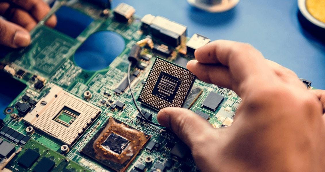 differenza tra hardware e software