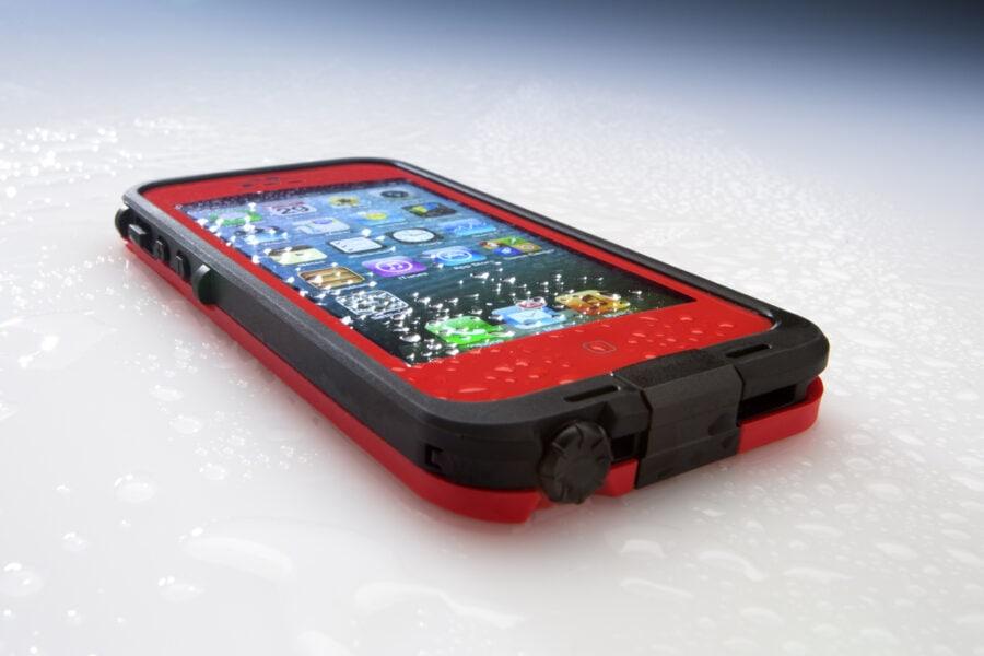 Foto sott'acqua con iPhone evitando danni